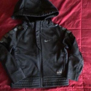 NIKE therma-fit zip hooded sweatshirt size 4